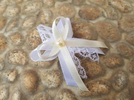 Svadobné pierka bielo smotanové, čipka a srdiečko - Obrázok č. 1