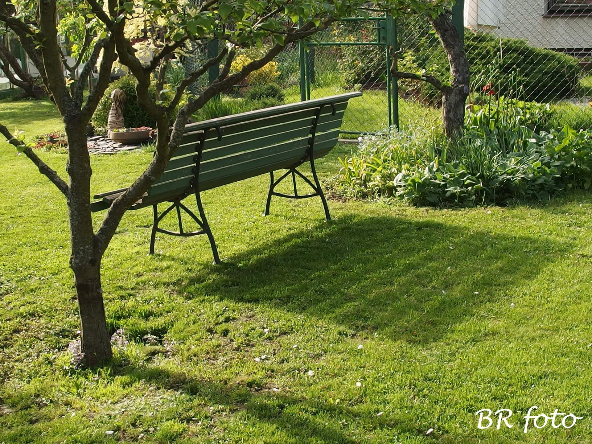 Pozvání do zahrady 2021 - v sobotu jsme posekali trávník