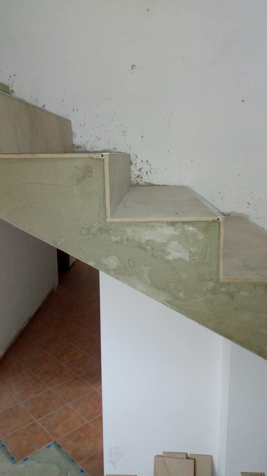 Obklad schodov - Že pravý uhol 😛