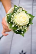 Růžička pro družičky, mamku a tchýni