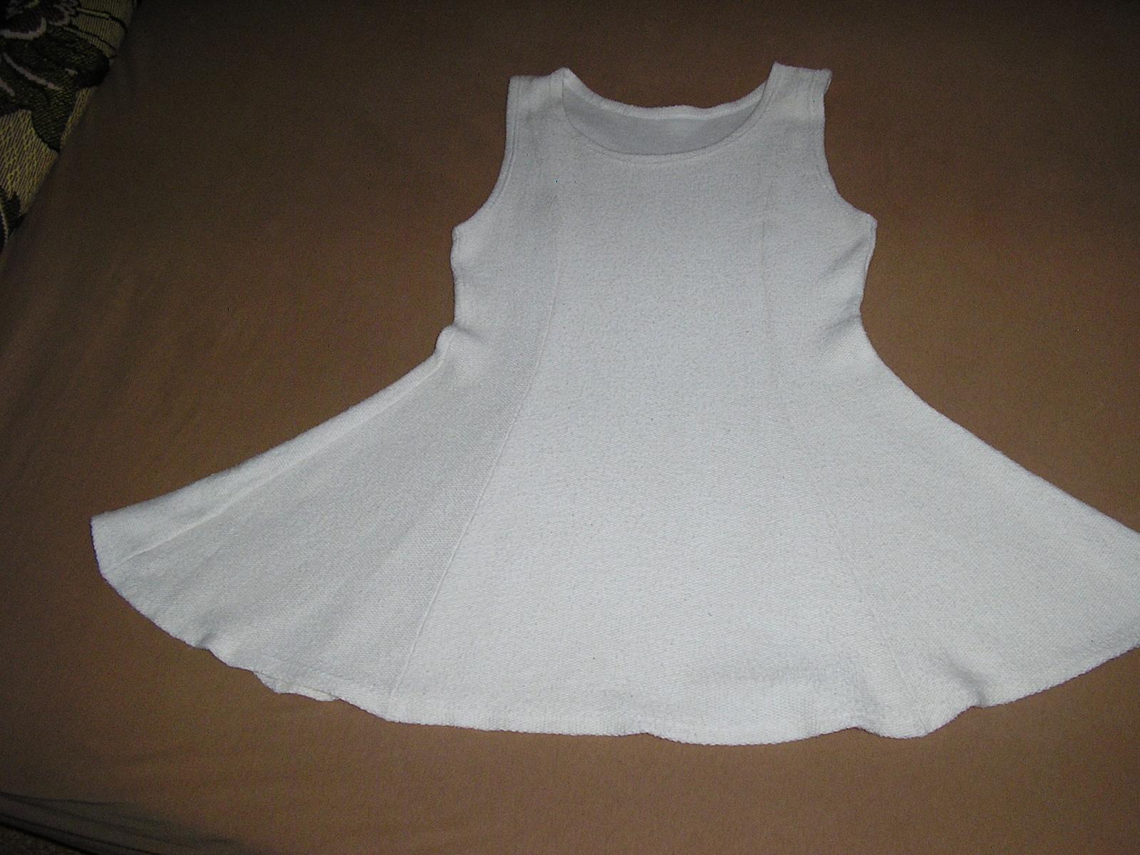 31 Šaty bez rukávov alebo Šatová sukňa  - Obrázok č. 1