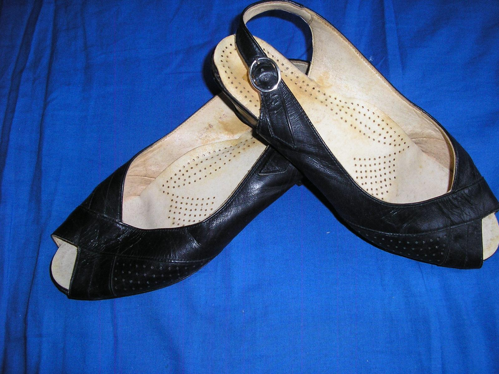 629. Čierne sandále                           - Obrázok č. 2