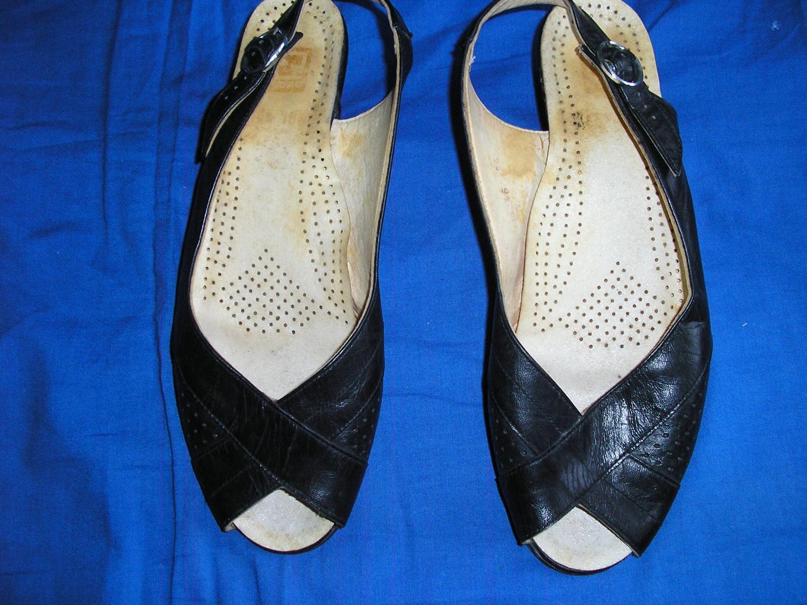 629. Čierne sandále                           - Obrázok č. 4