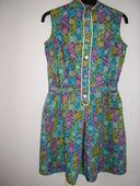 810. Vzorované šaty, 164