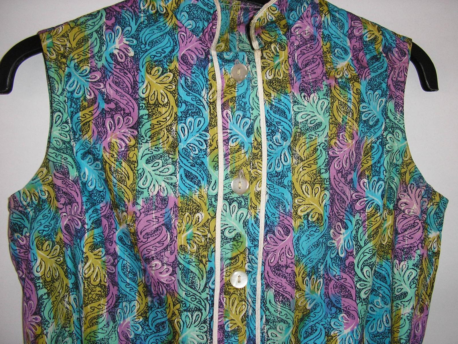 810. Vzorované šaty - Obrázok č. 3