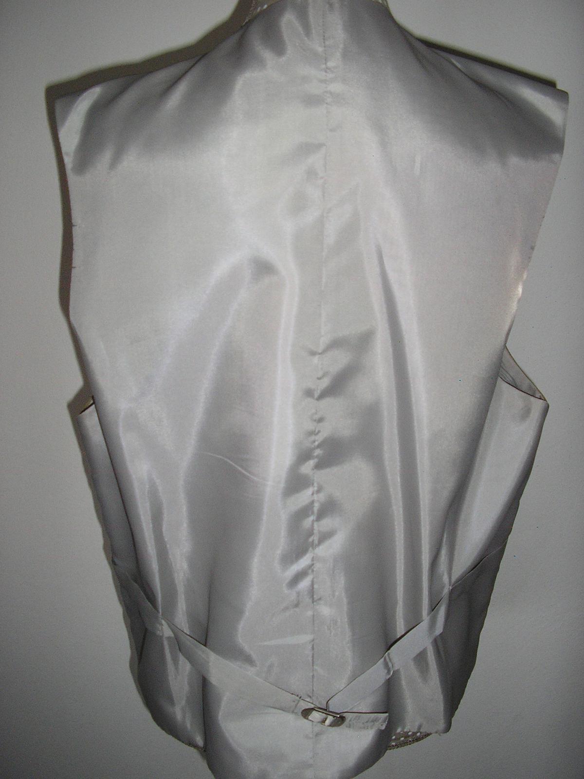 910. Pánsky oblek - Obrázok č. 4