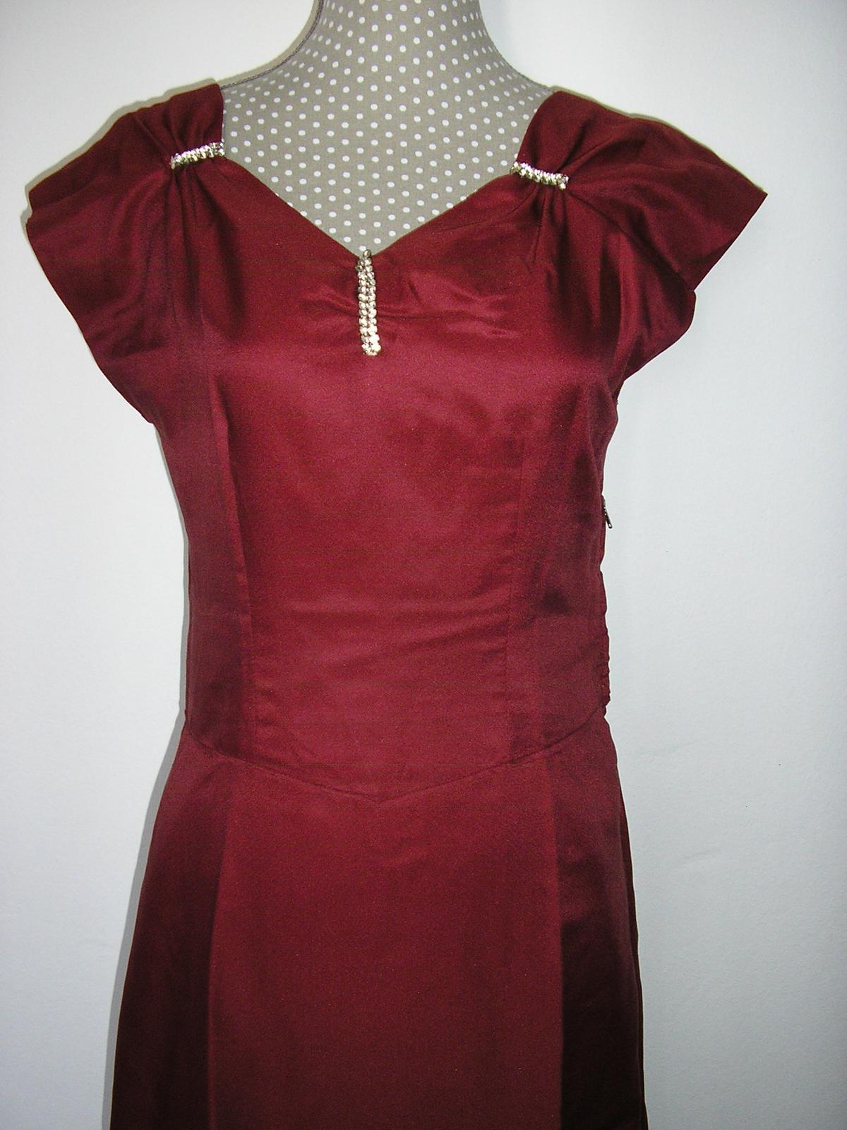 591. Bordové dlhé šaty - Obrázok č. 1