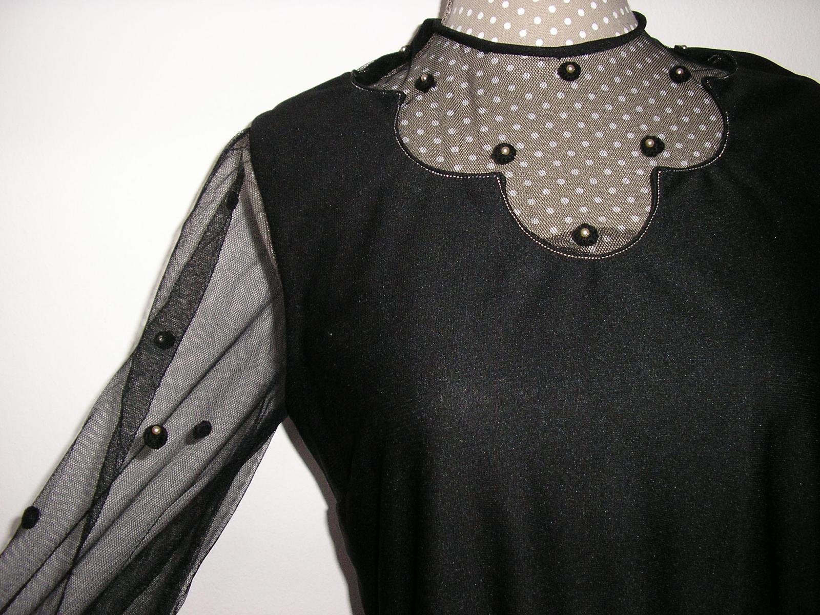 588. Spoloč. šaty - Obrázok č. 1
