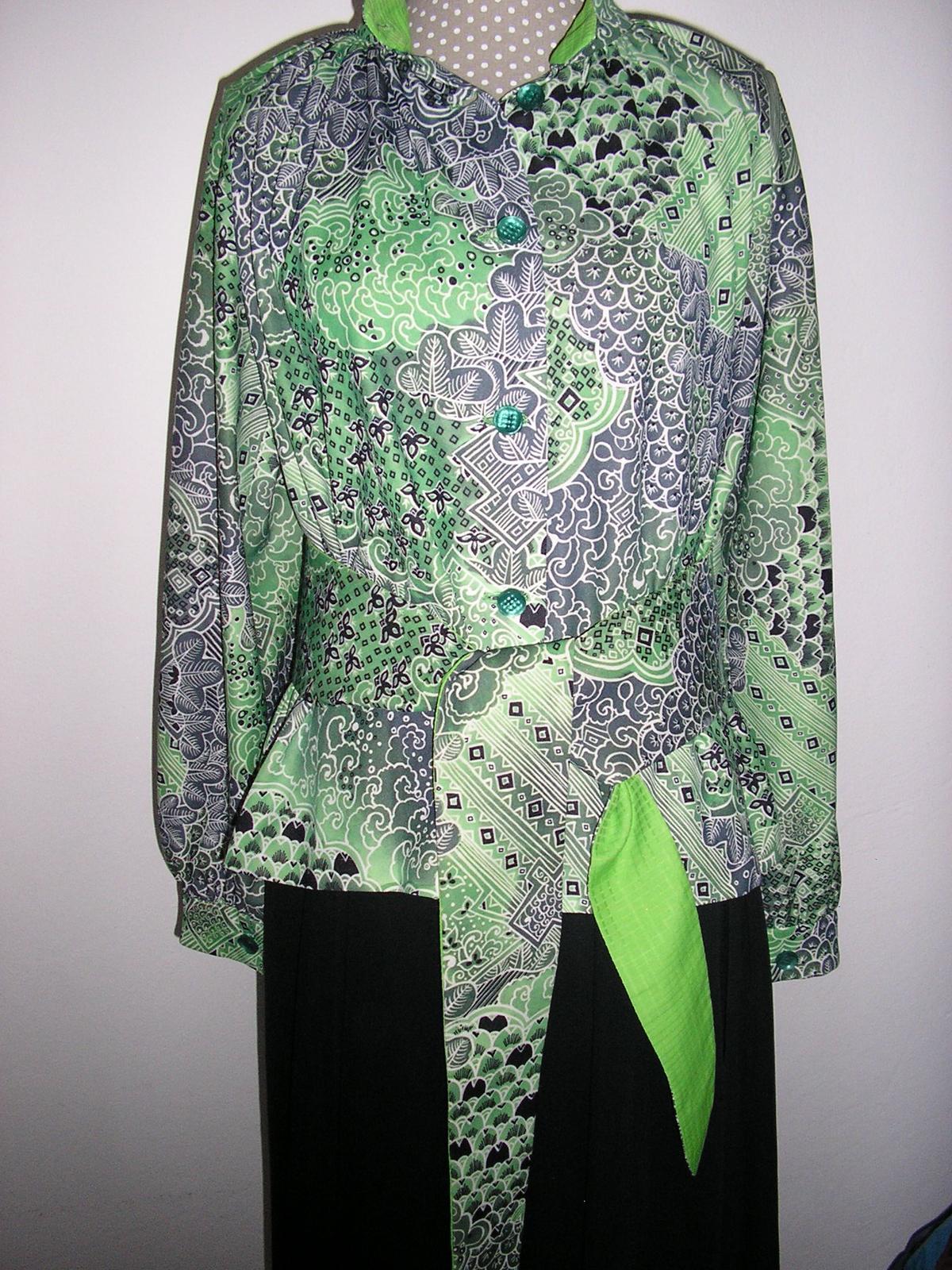 958. Zelená blúzka resp. kabátik    - Obrázok č. 1