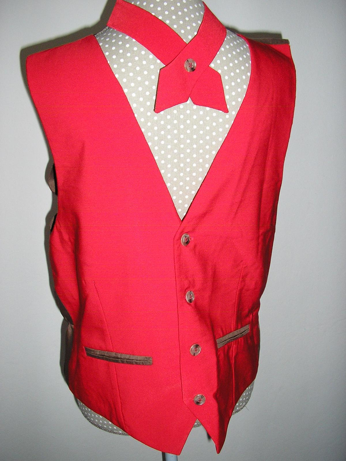 960. Popolnocna pánska vesta s kravatou  - Obrázok č. 1