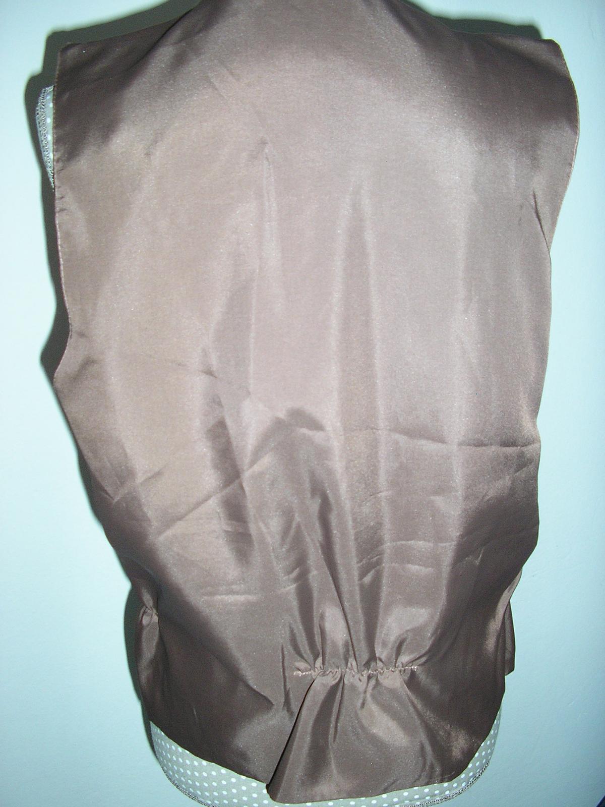 960. Popolnocna pánska vesta s kravatou  - Obrázok č. 2