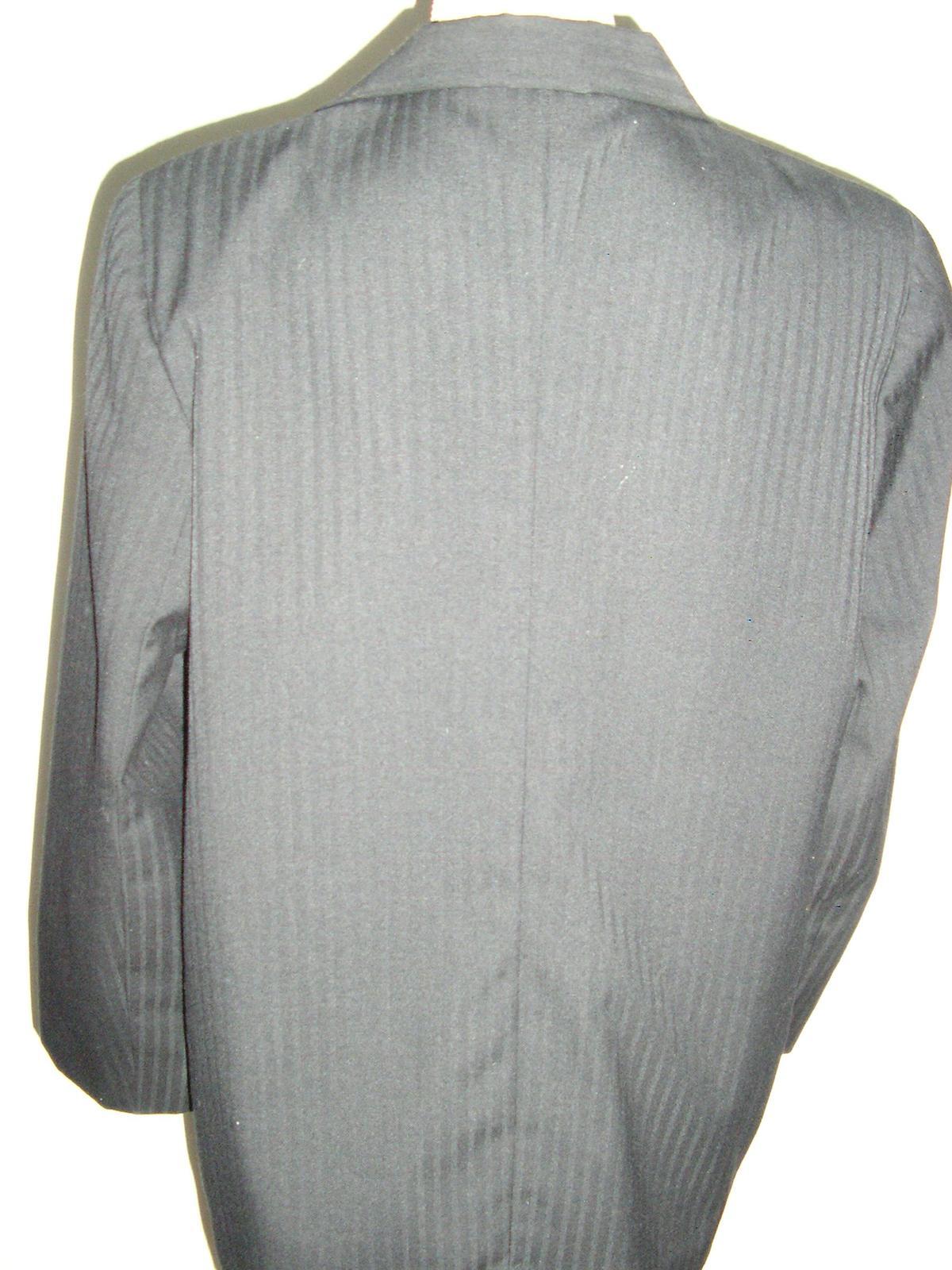 1033. Čierny podšitý kostým - Obrázok č. 3