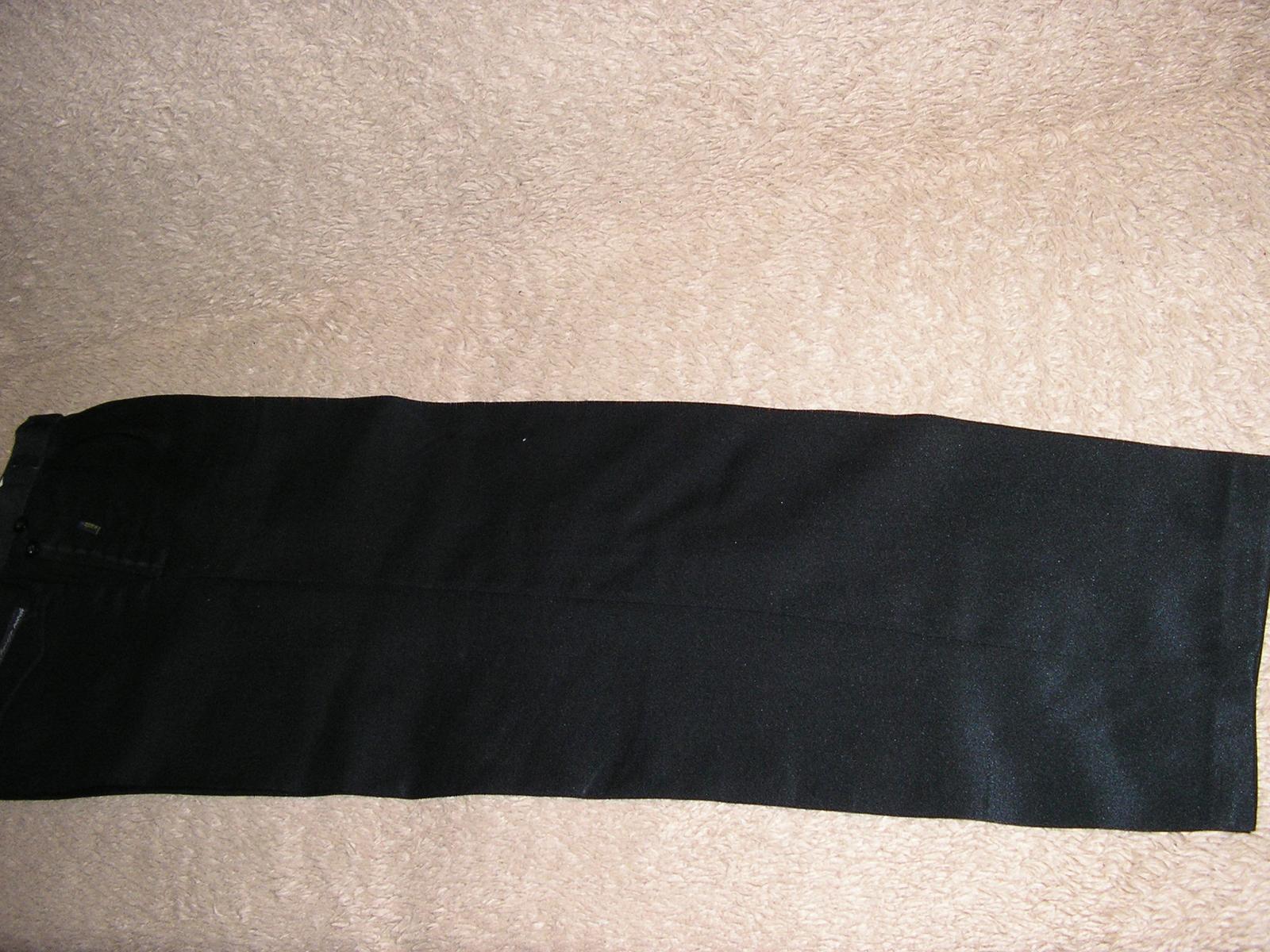 1213. Čierne nohavice - Obrázok č. 2