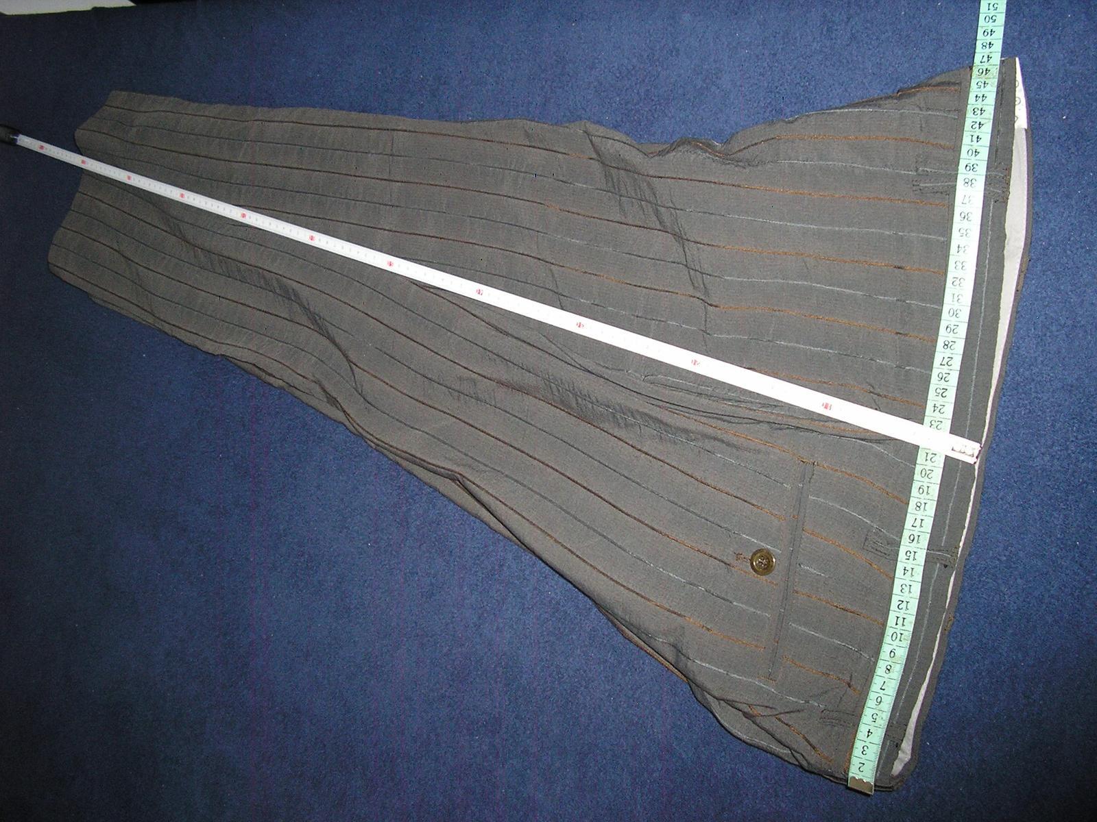 1295. Sivý prúž. oblek - Obrázok č. 4