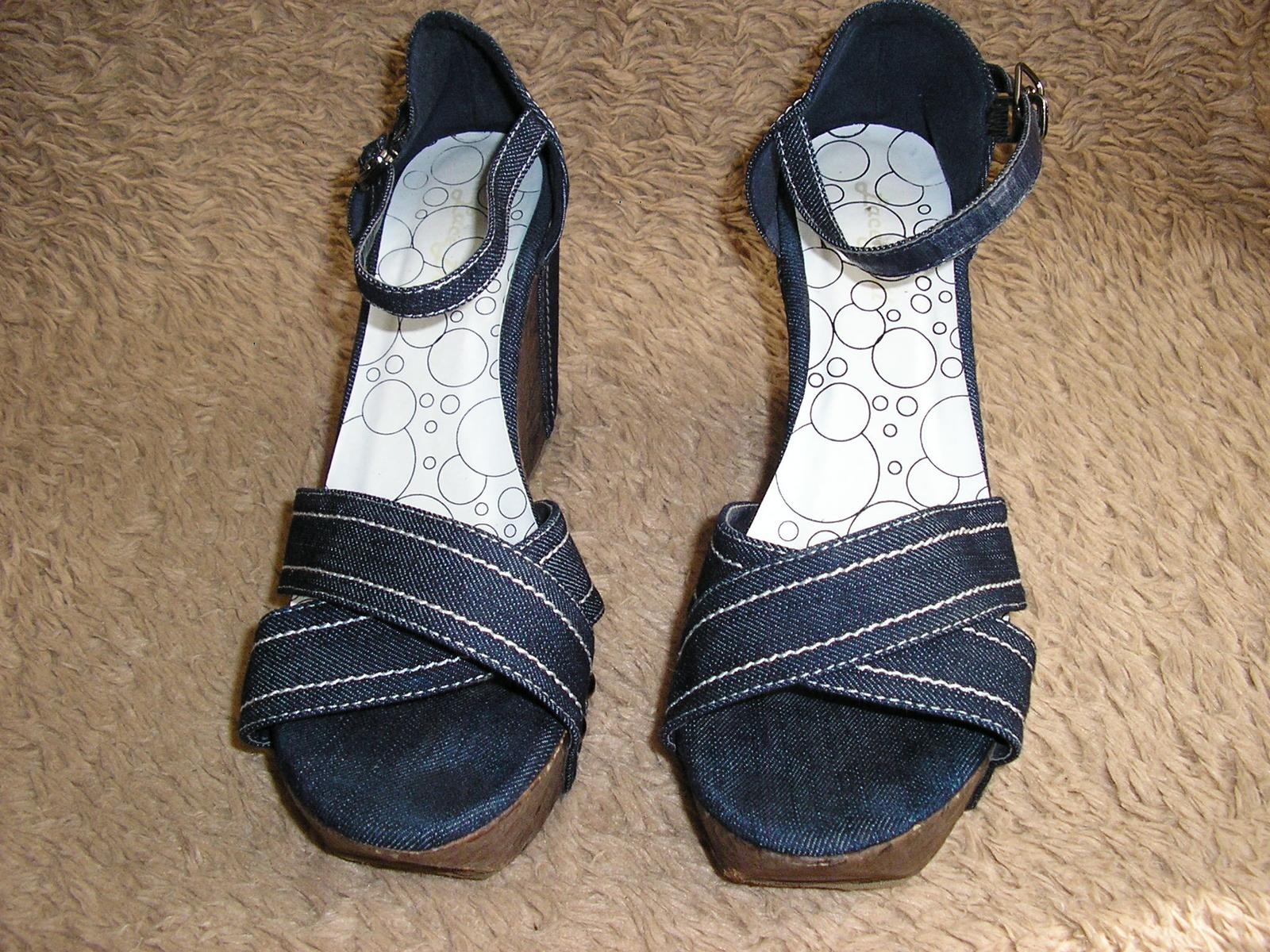 1560.  Sandálky - Obrázok č. 1