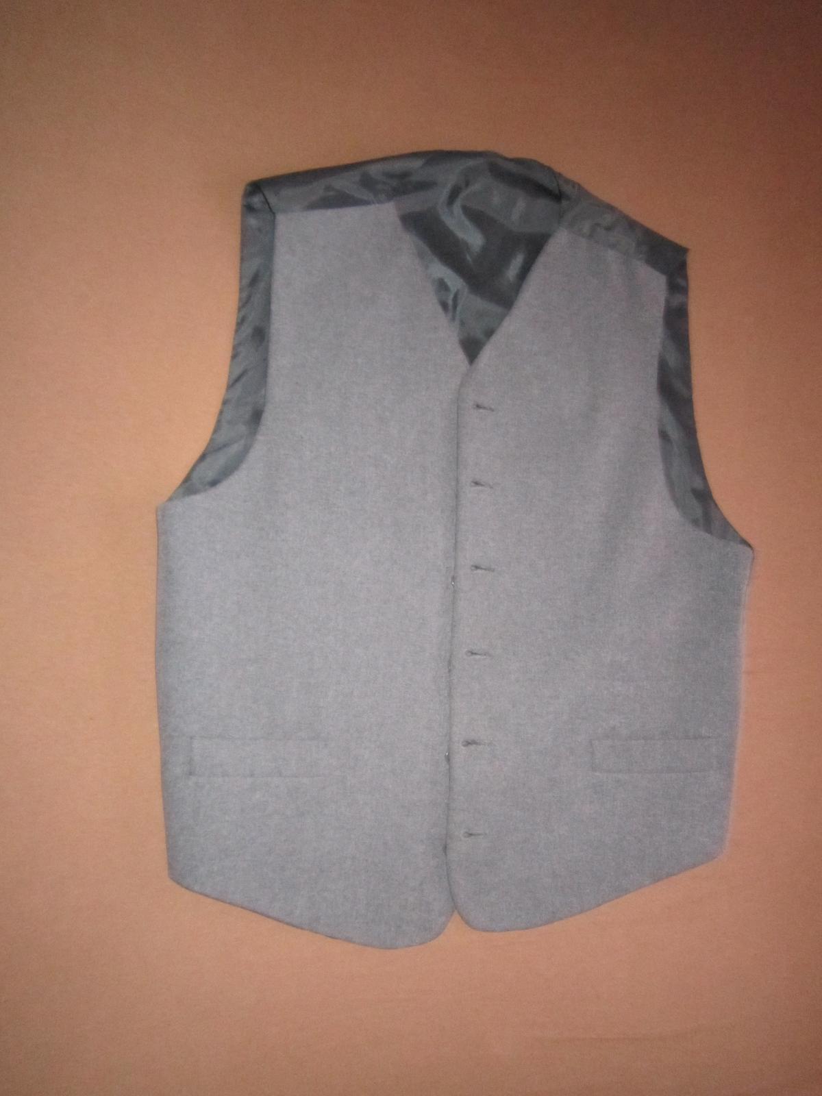 1568. Sivý oblek - Obrázok č. 3