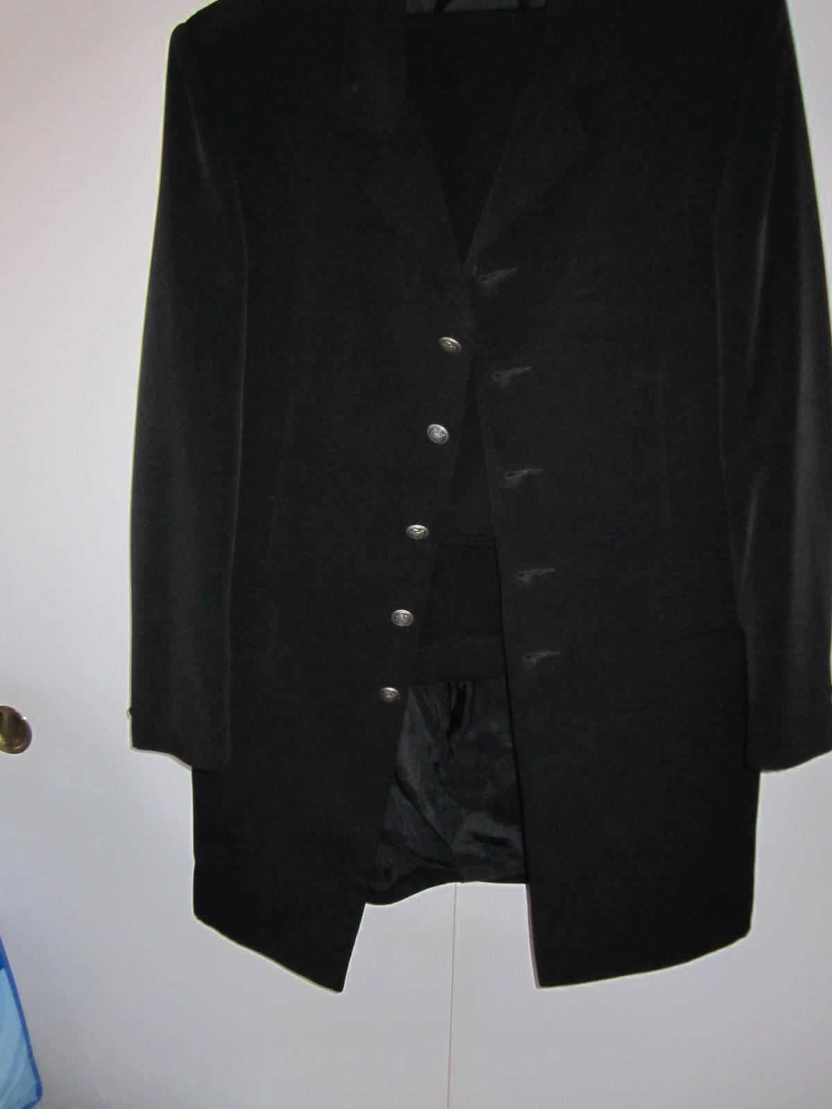 1569. Elegantný oblek - Obrázok č. 1