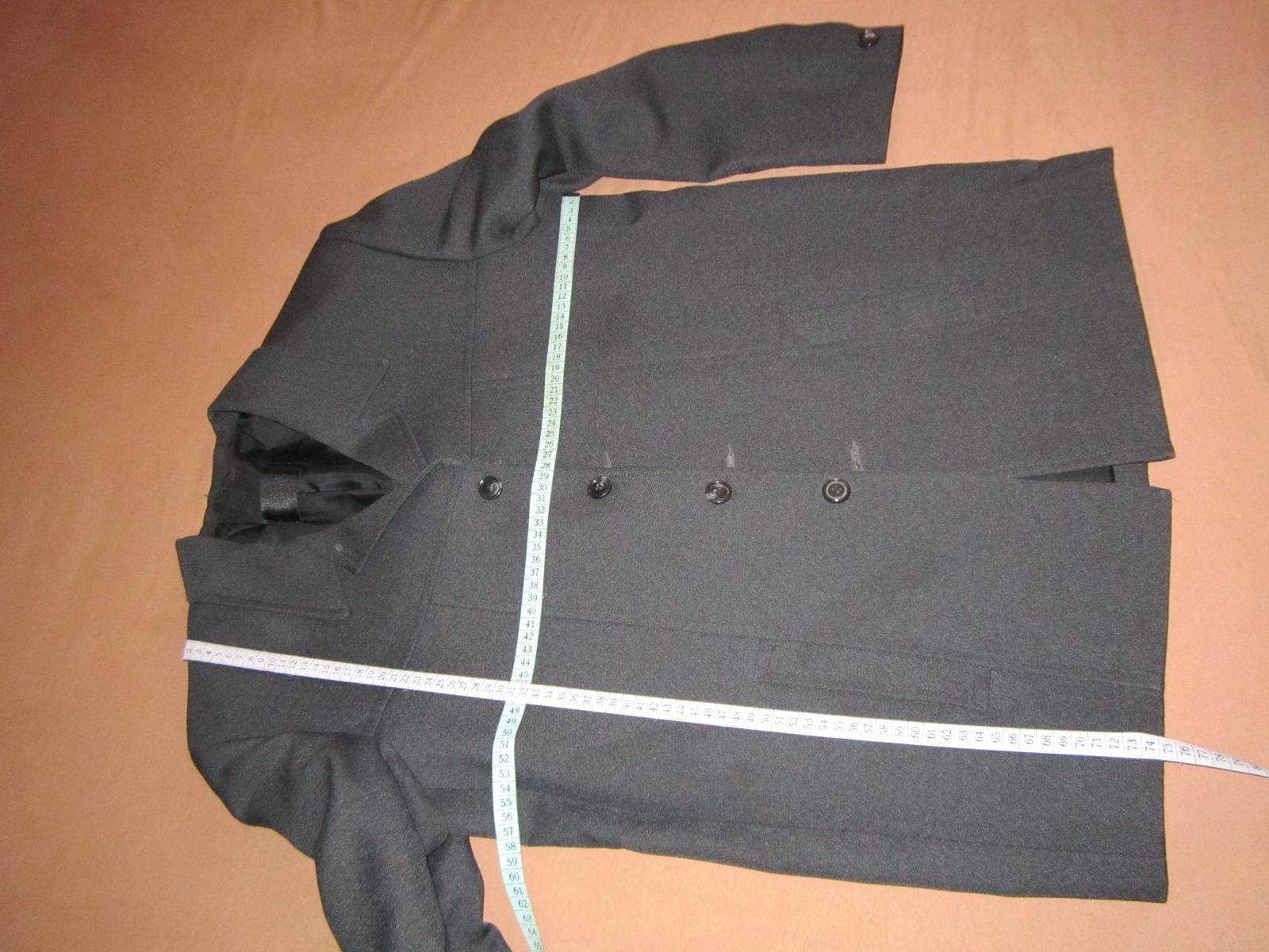 1570. Tm. sivý oblek - Obrázok č. 2