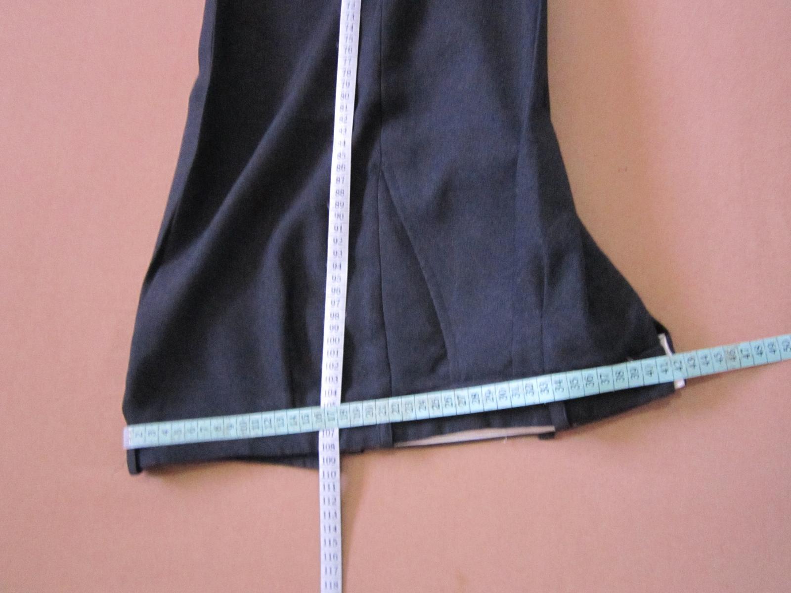 1570. Tm. sivý oblek - Obrázok č. 3