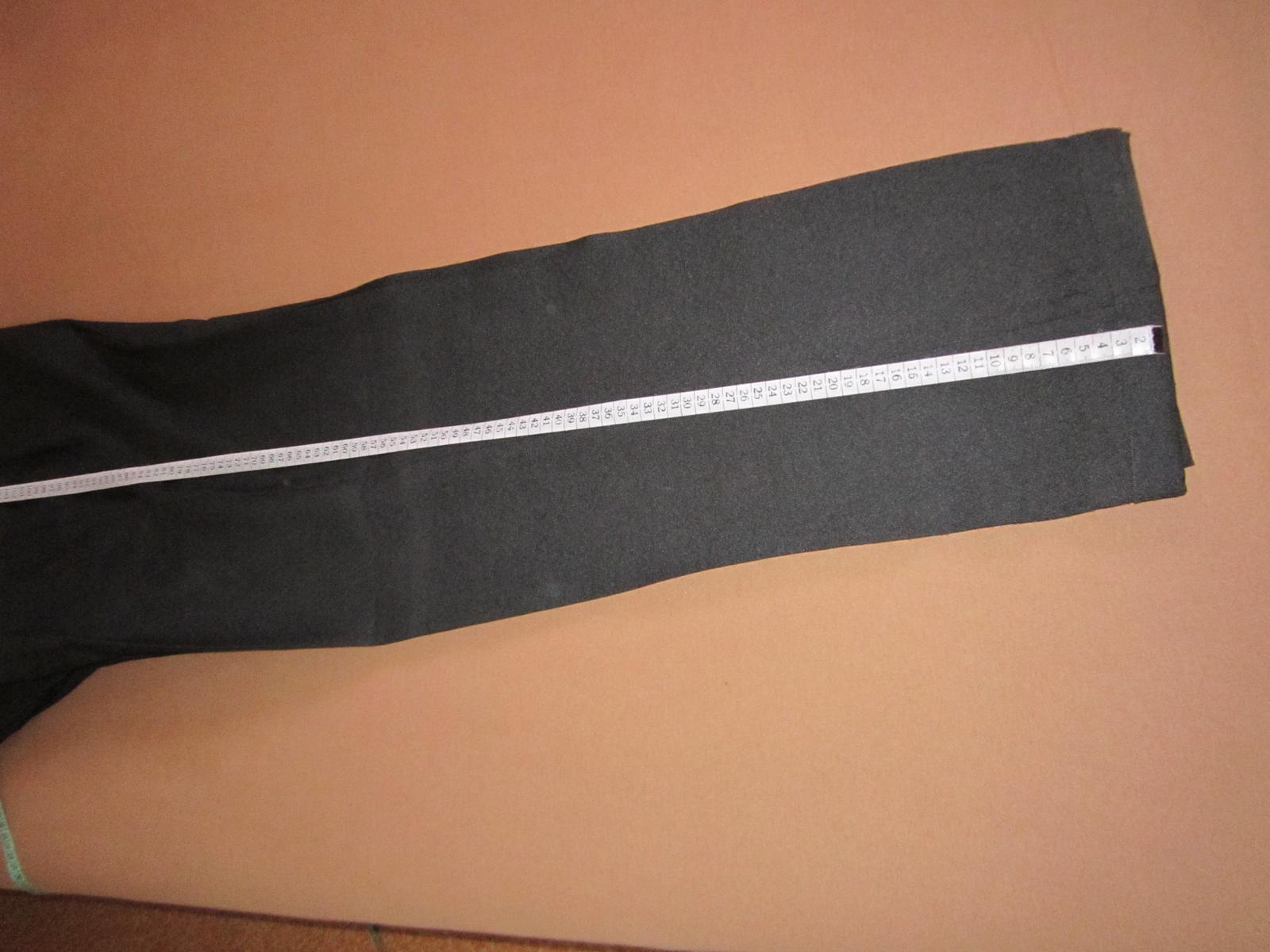 1570. Tm. sivý oblek - Obrázok č. 4