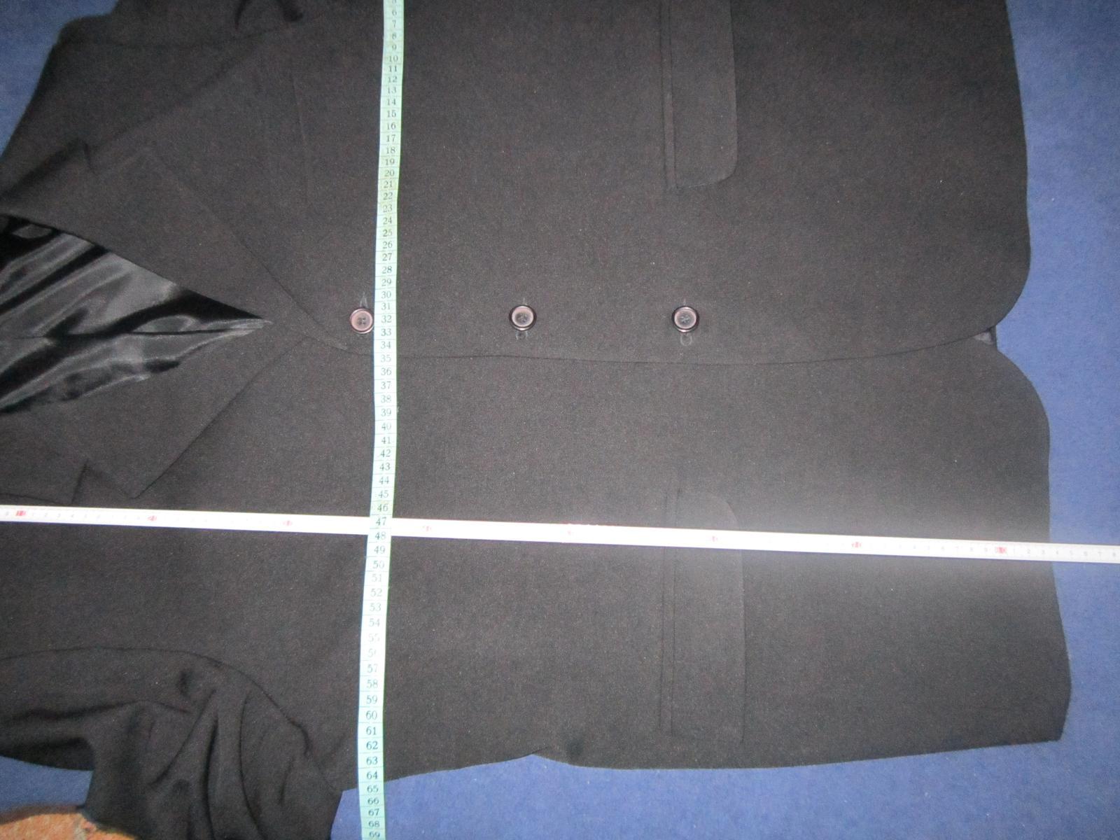 1605. Čierny oblek - Obrázok č. 2