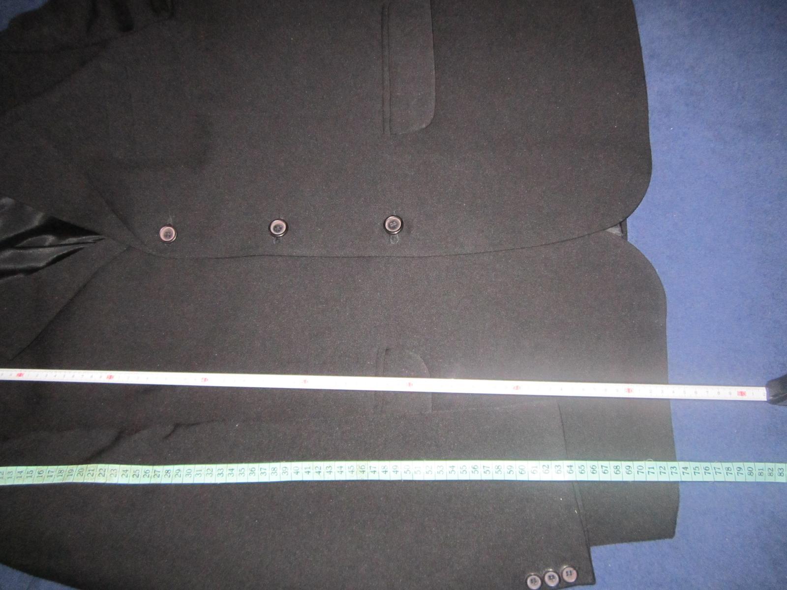 1605. Čierny oblek - Obrázok č. 3