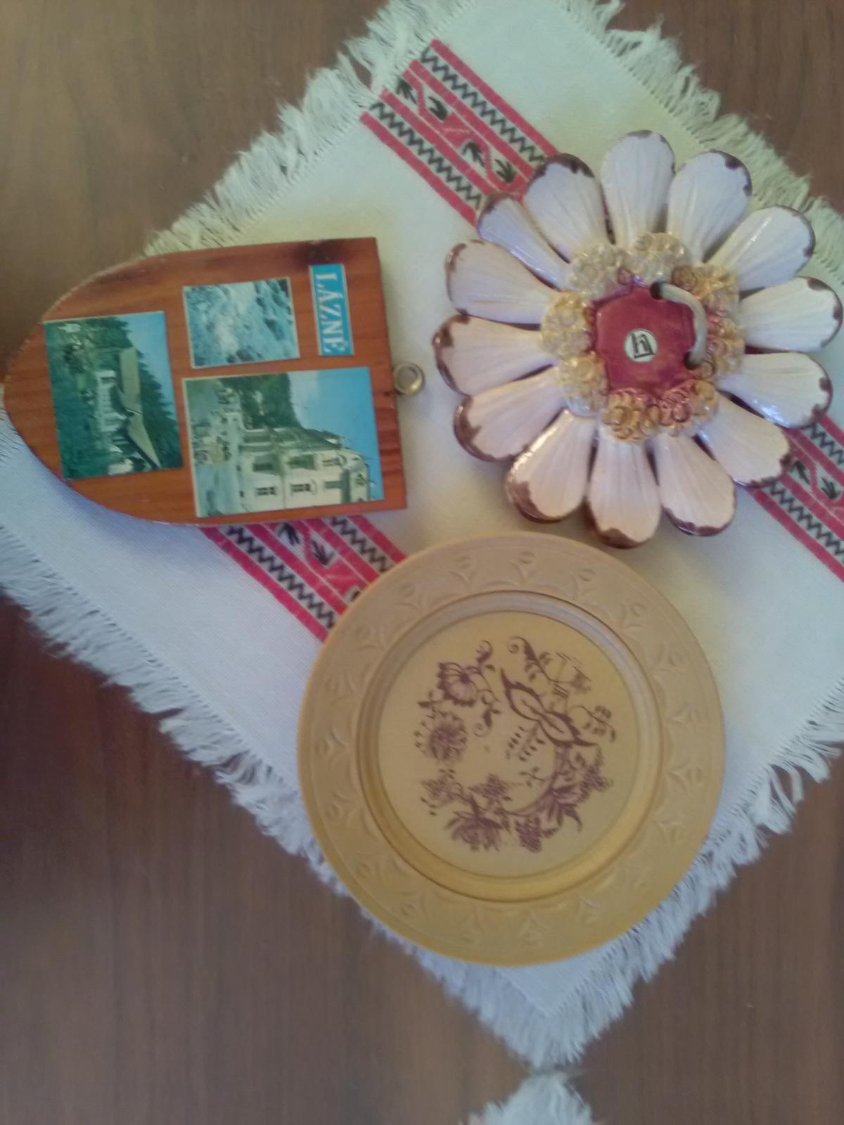 1169. 3 dekor. predmety - Obrázok č. 1