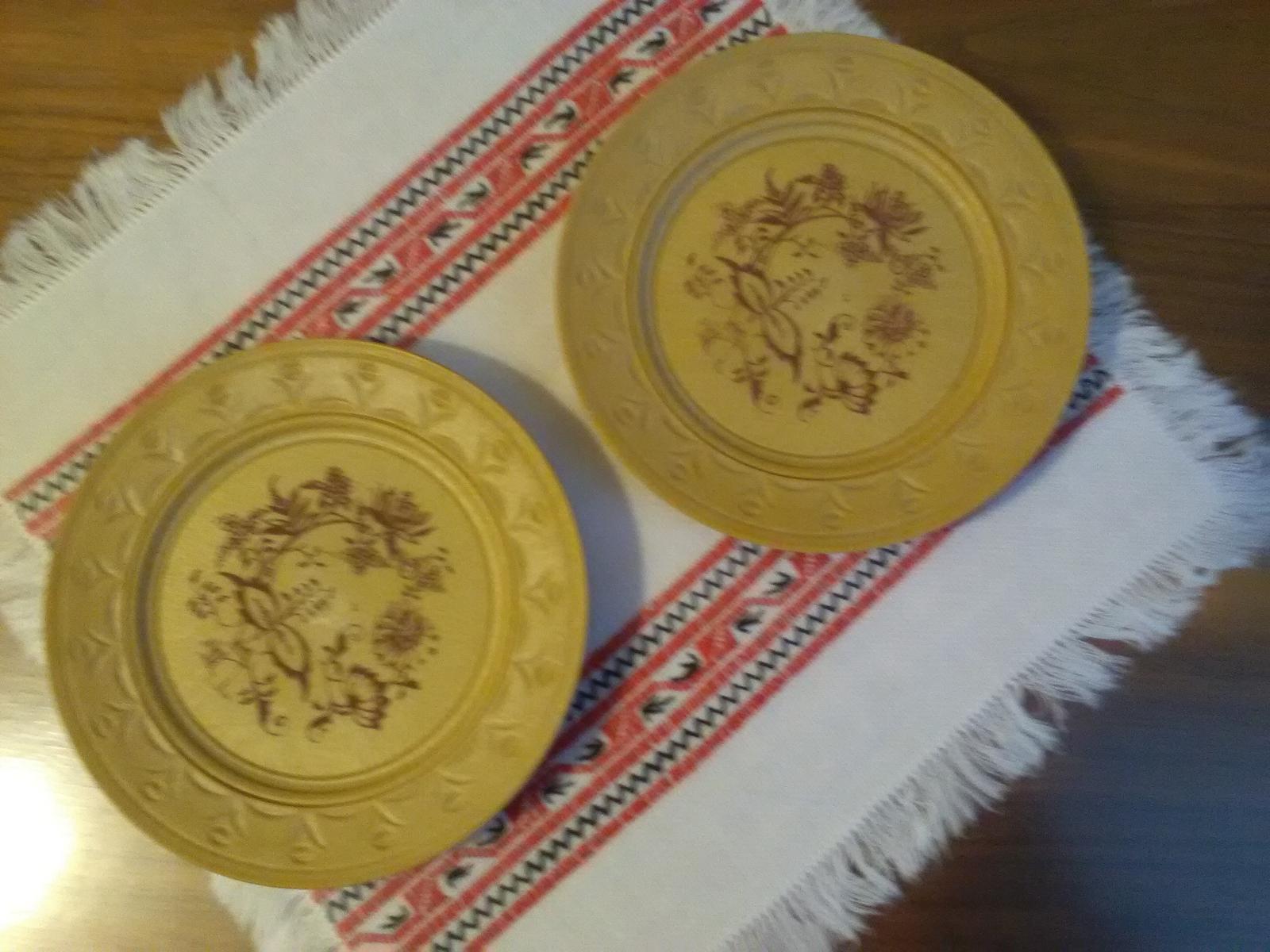 1170. 2 taniere - Obrázok č. 1