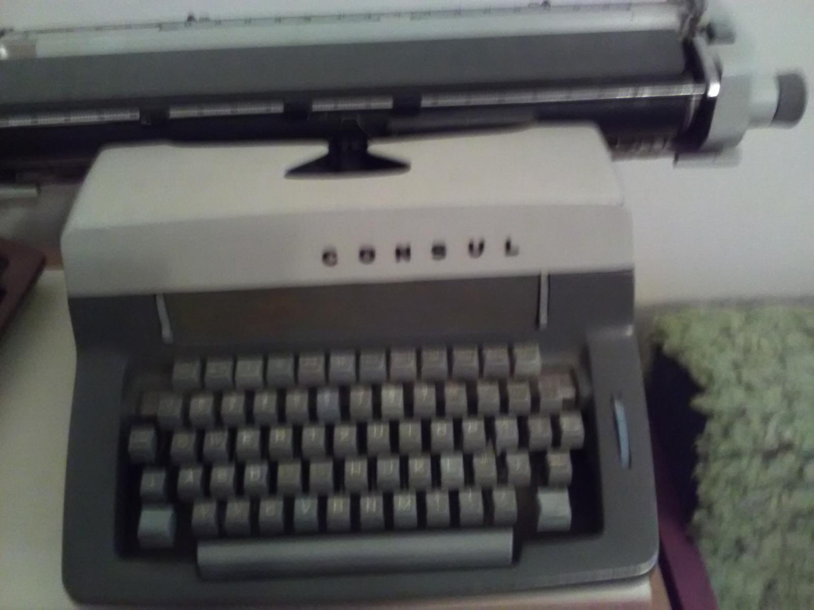 1828. Písací stroj  - Obrázok č. 1