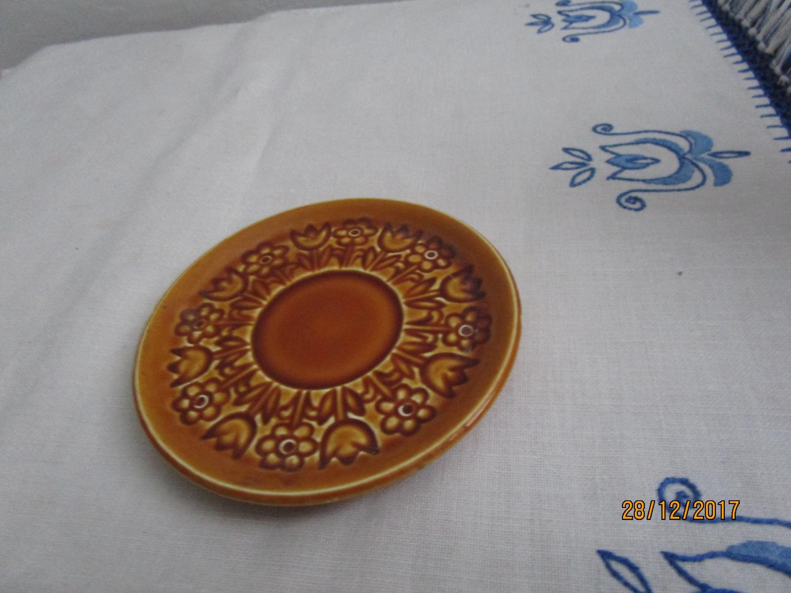 1912. Hnedý tanierik - Obrázok č. 1