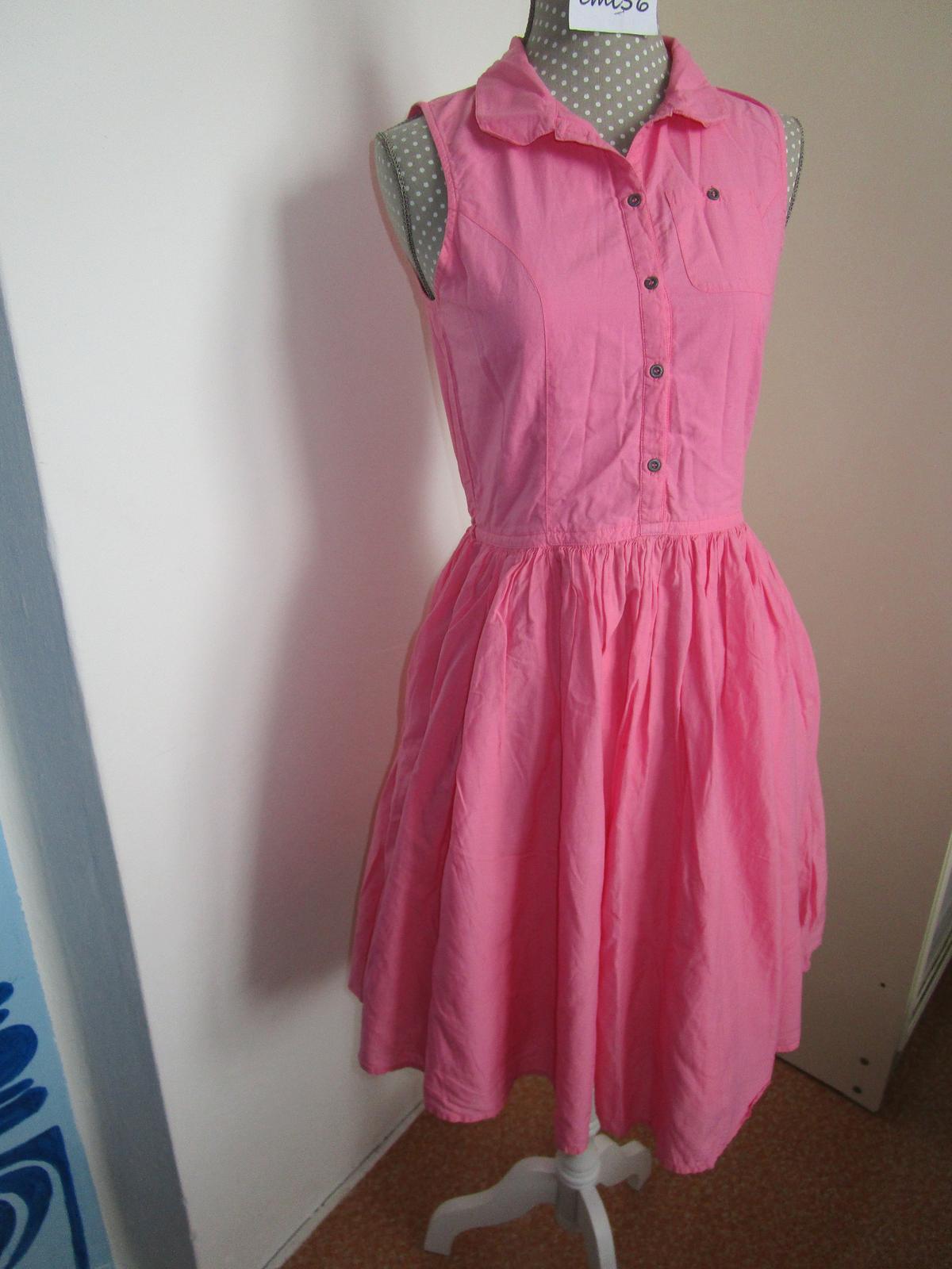 2558. znač. šaty - Obrázok č. 1