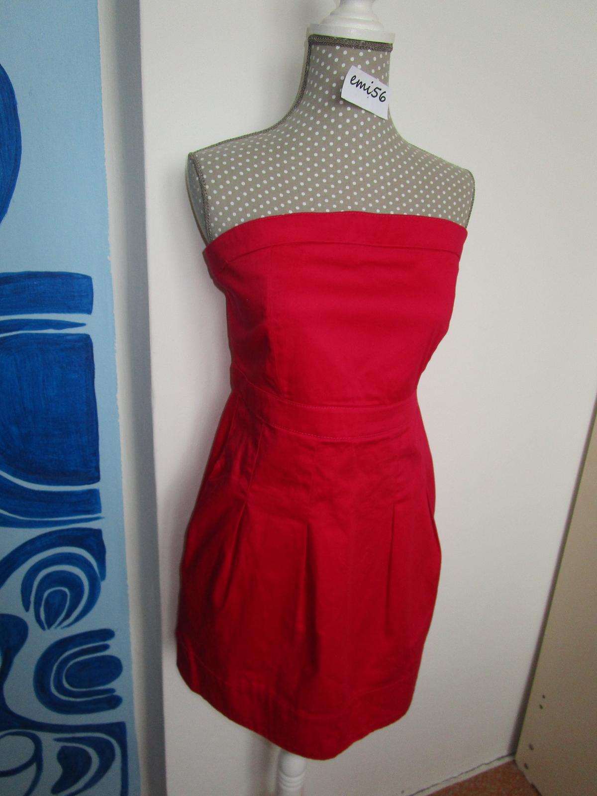 2559. Červené šaty - Obrázok č. 1
