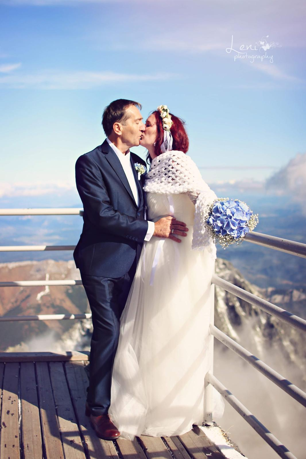 Korzetove svadobné šaty - Obrázok č. 2