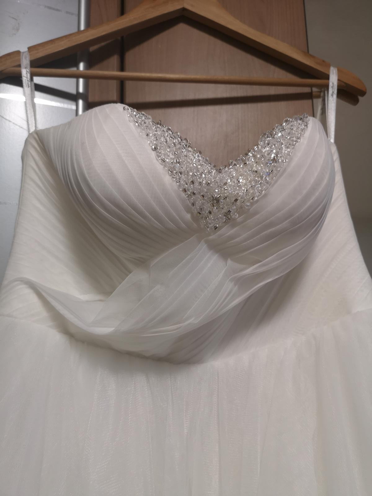 Korzetove svadobné šaty - Obrázok č. 1