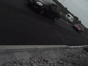 máme silnici před domem