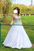 Bílé šaty se stříbrným korzetem, 40