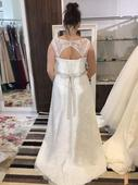 Svadobné šaty - celokrajkové, 42