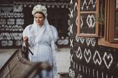 Svadobné krojové šaty, 38
