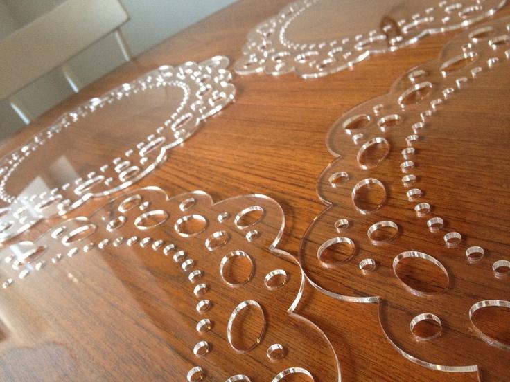 Klubové plastové taniere na svadbu - Obrázok č. 1