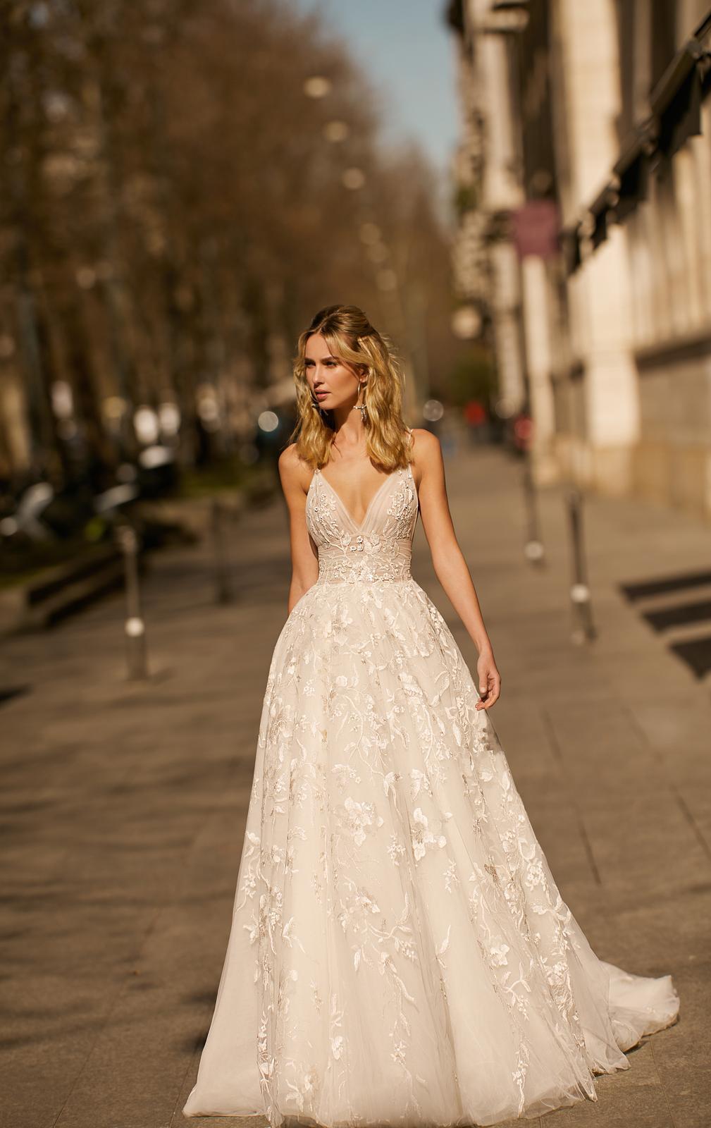 Svadobné šaty jar/leto 2020 BERTA Miláno - Obrázok č. 2