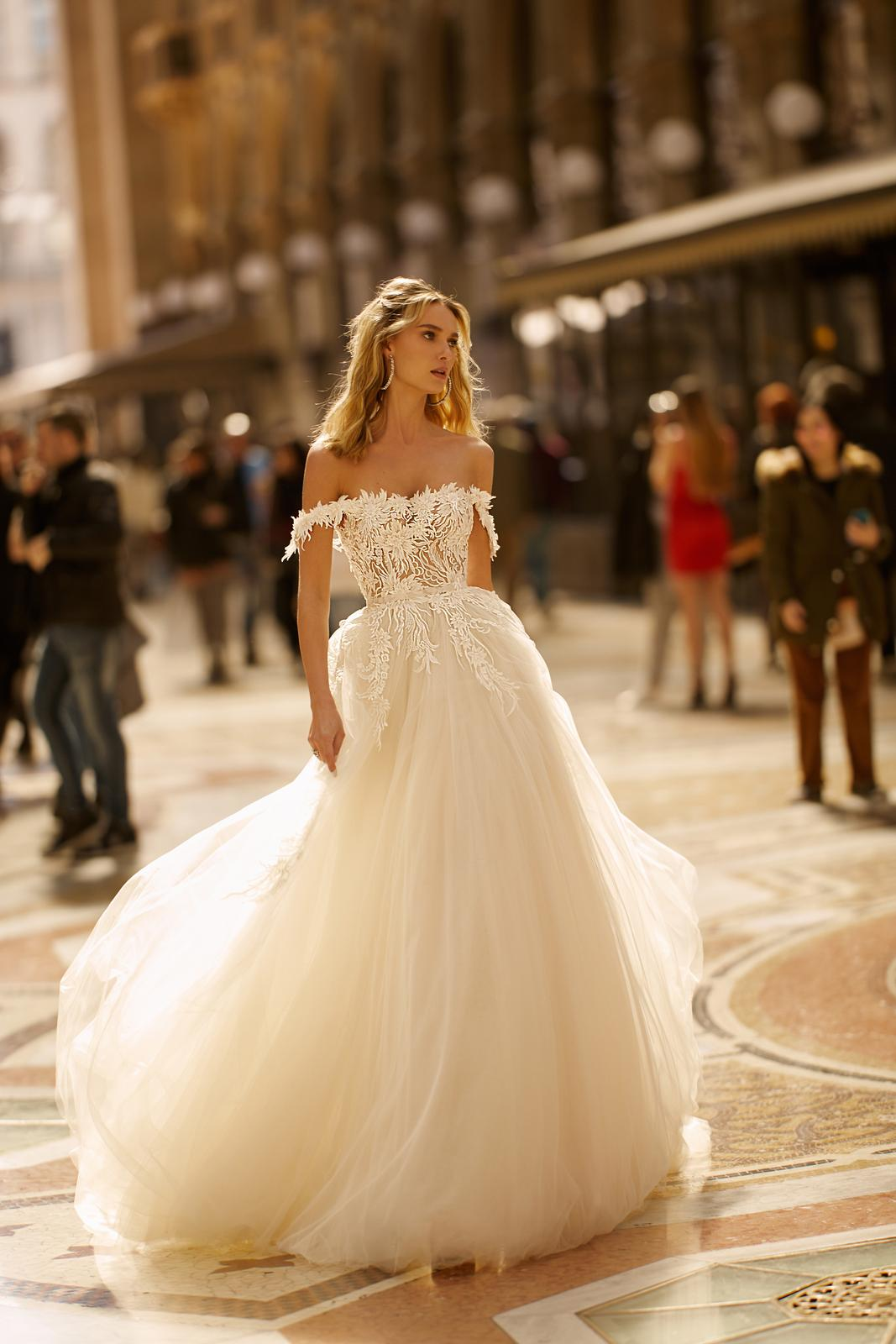Svadobné šaty jar/leto 2020 BERTA Miláno - Obrázok č. 16