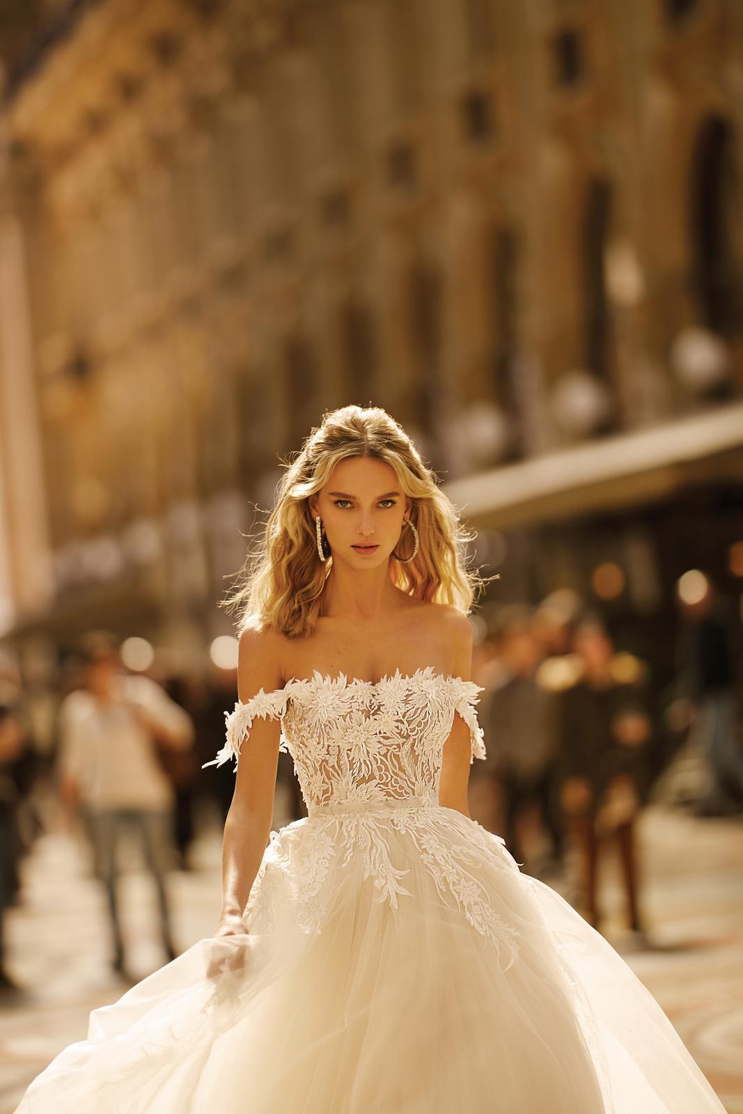 Svadobné šaty jar/leto 2020 BERTA Miláno - Obrázok č. 17