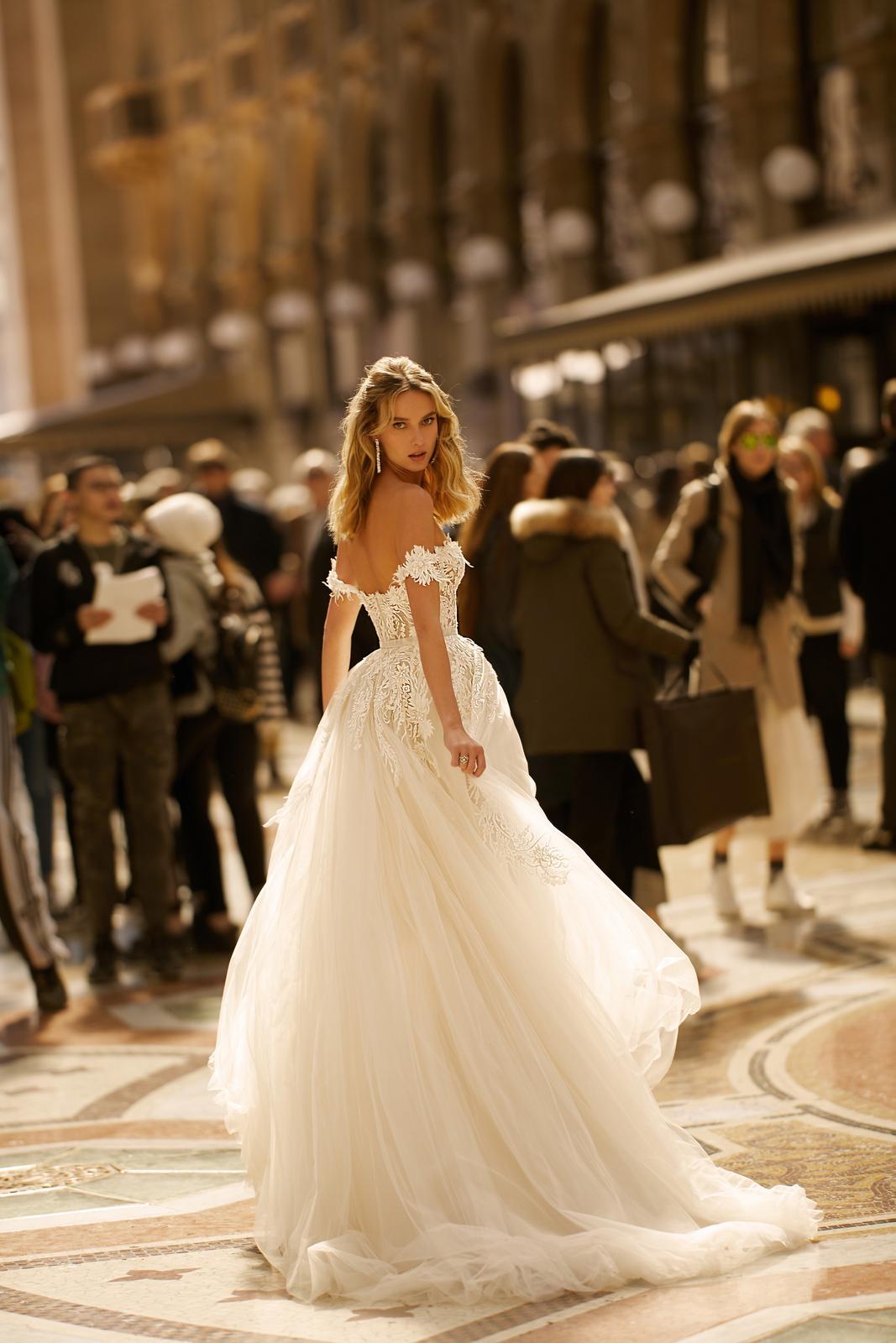 Svadobné šaty jar/leto 2020 BERTA Miláno - Obrázok č. 18