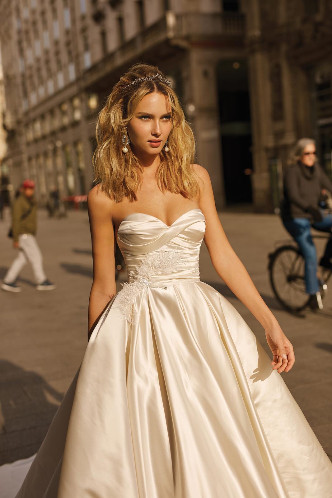 Svadobné šaty jar/leto 2020 BERTA Miláno - Obrázok č. 38
