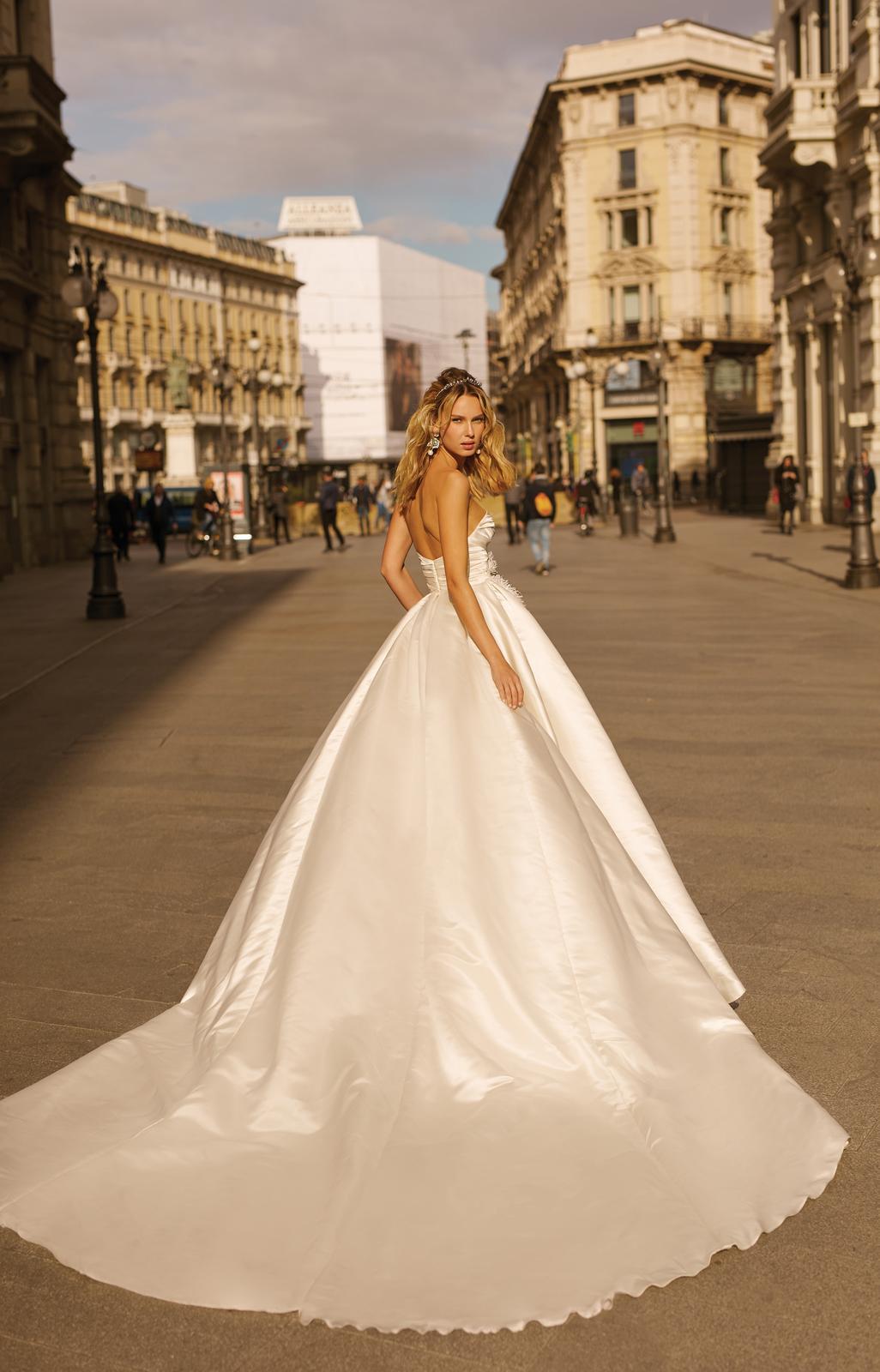 Svadobné šaty jar/leto 2020 BERTA Miláno - Obrázok č. 39