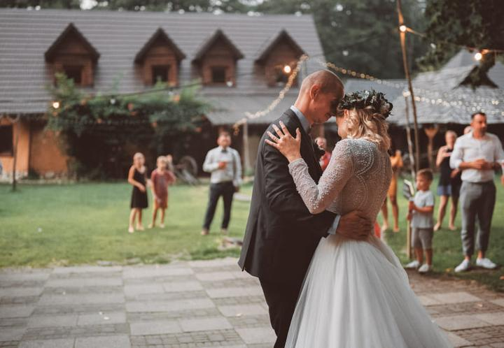 Pozrite si augustovú svadbu v Abelande pri Lozorne aj s originálnym prekvapením pre ženícha 😍😍😍 https://mojasvadba.zoznam.sk/svadba-v-abelande-pri-lozorne/ - Obrázok č. 1