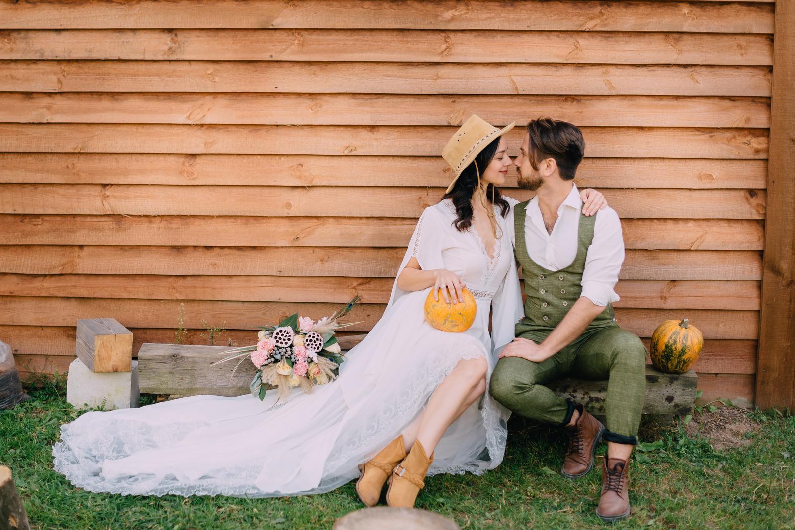 14-krát tekvica v jesennej svadobnej výzdobe – inšpirujte sa, na čo všetko ju môžete v deň D použiť :) https://mojasvadba.zoznam.sk/tekvica-a-svadobna-vyzdoba/ - Obrázok č. 1