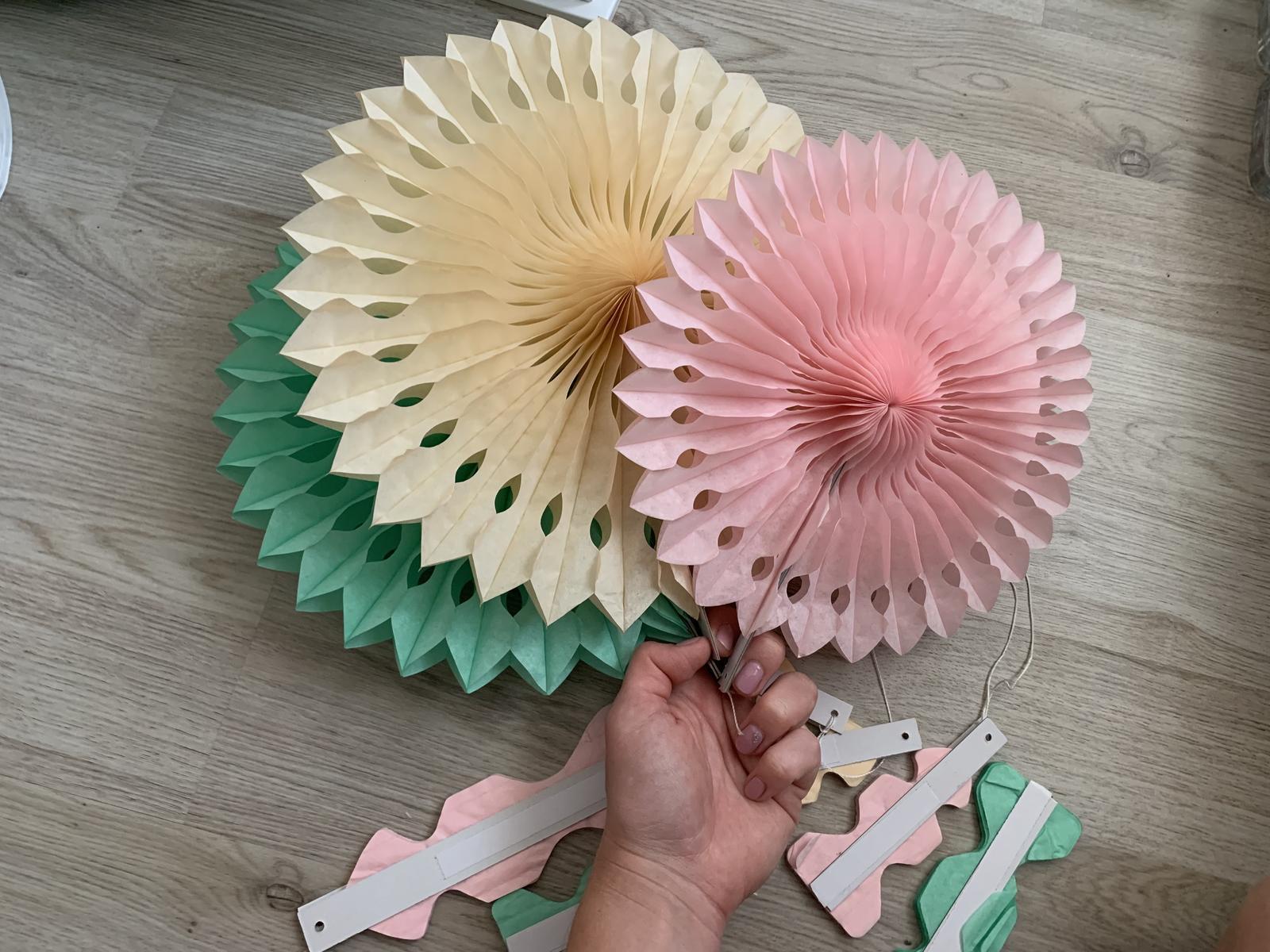 Barevné rozety krémová světle růžová mint  - Obrázek č. 1