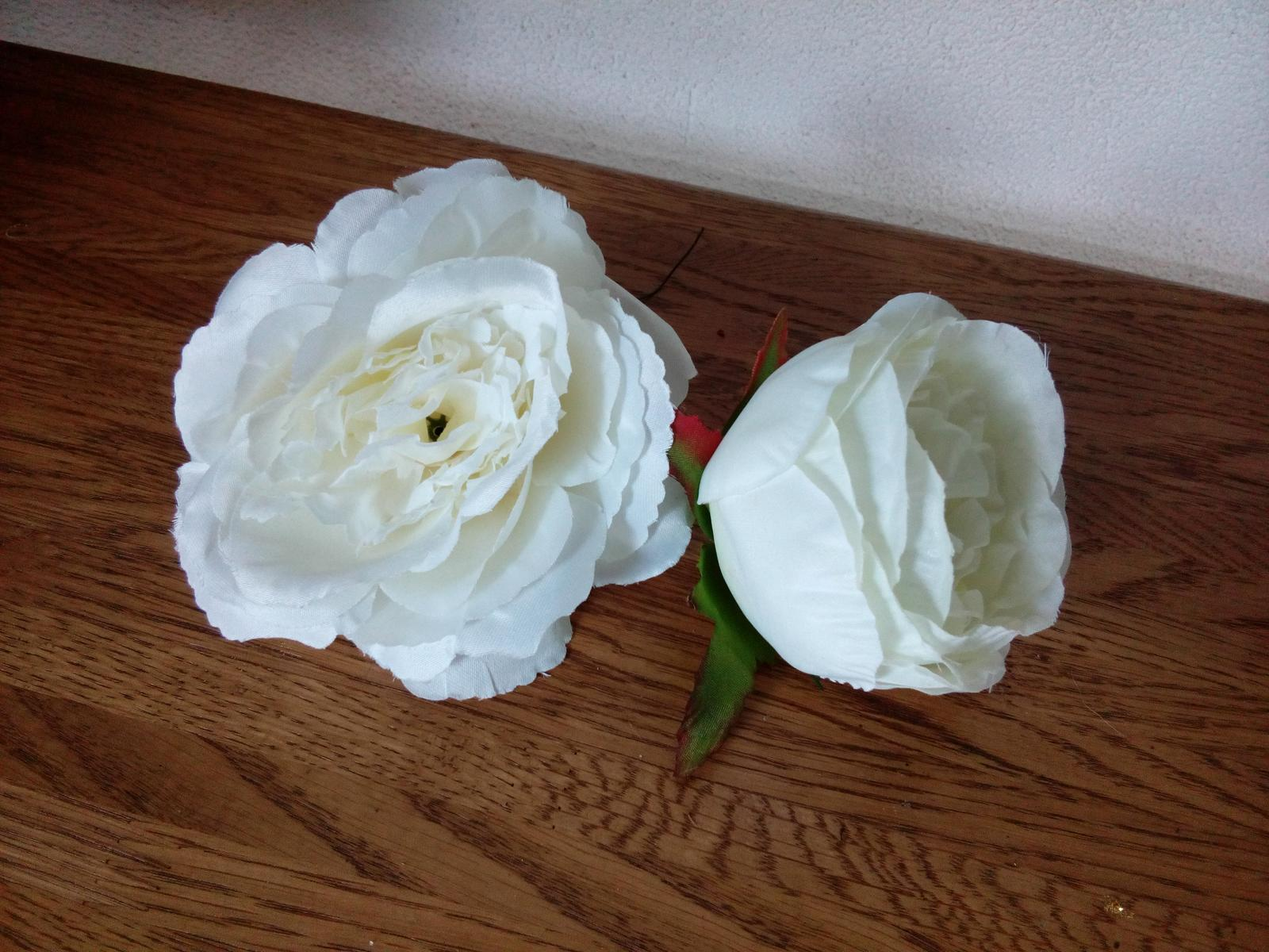 umělé květy růží 82 ks - Obrázek č. 1