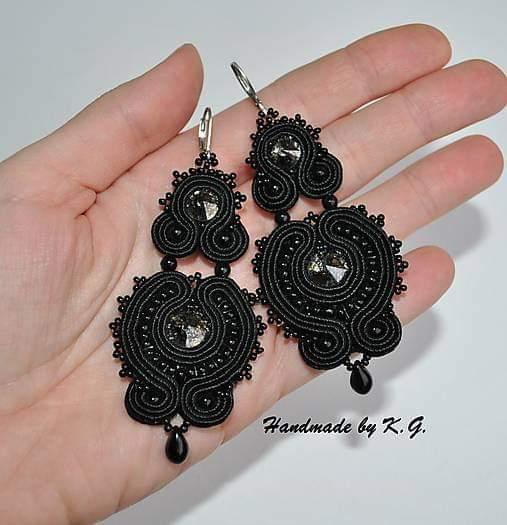 Čierna na svadbe - Moje krásne náušničky :) 🖤